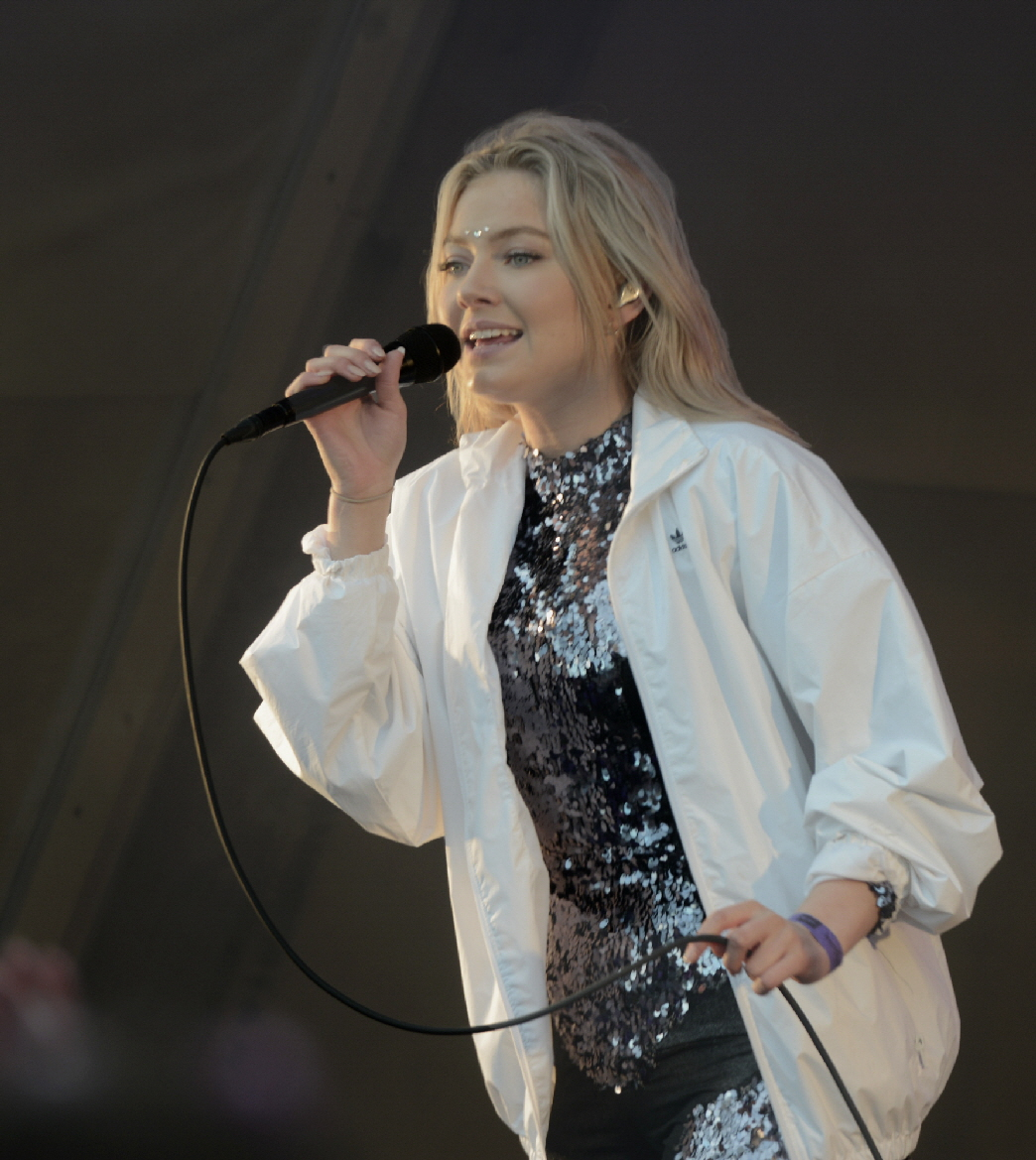 On Thursday evening the festival begins, with three stages where performances are paced so all  can enjoy the music, One of the first acts to perform was Astrid S who energized the audience.  Even the artists join in listening to other performers after their sets are completed.