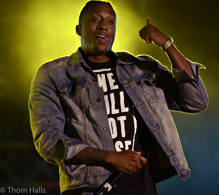 Surrounded by a sea of ever changing light and powerful electrified sound, Lecrae mesmerized the audience as the final act of the two day event.